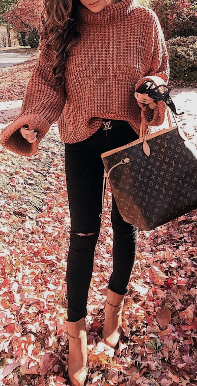 Waffle Knit Turtleneck | Black Denim | Tan Booties | Louis Vuitton Reversible Belt | Louis Vuitton Neverfull GM | Emily Ann Gemma, Emily Gemma, The Sweetest Thing blog #womensfashion #falltrends #wintertrends #winteroutfit #casualoutfit