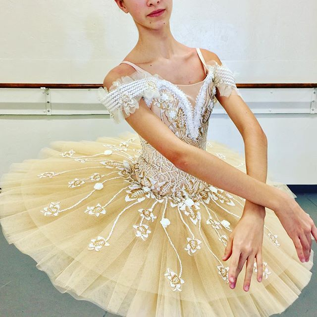 A classical tutu for a Sleeping Beauty fairy~ so lovely!