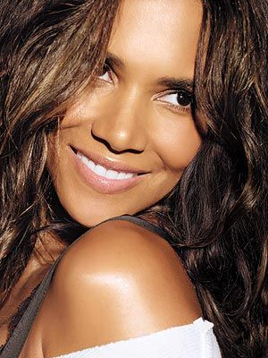 Google Image Result for http://www.juicymagonline.com/wp-content/uploads/2011/08/halle_berry.jpg