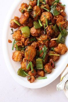 Chilli mushroom recipe, a restaurant style Indian Chinese mushroom starter that's crisp with sweet, sour and spicy flavors #appetizer #mushrooms