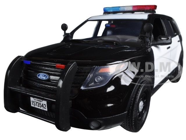 2015 Ford Pi Utility Interceptor Black White Police Car 1 18 By Motormax 73542
