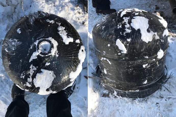 Американец Майкл Робинсон, живущий в городе Милуоки штата Висконсин, был поражен, когда непонятный объект небольших размеров упал с неба на его участок.