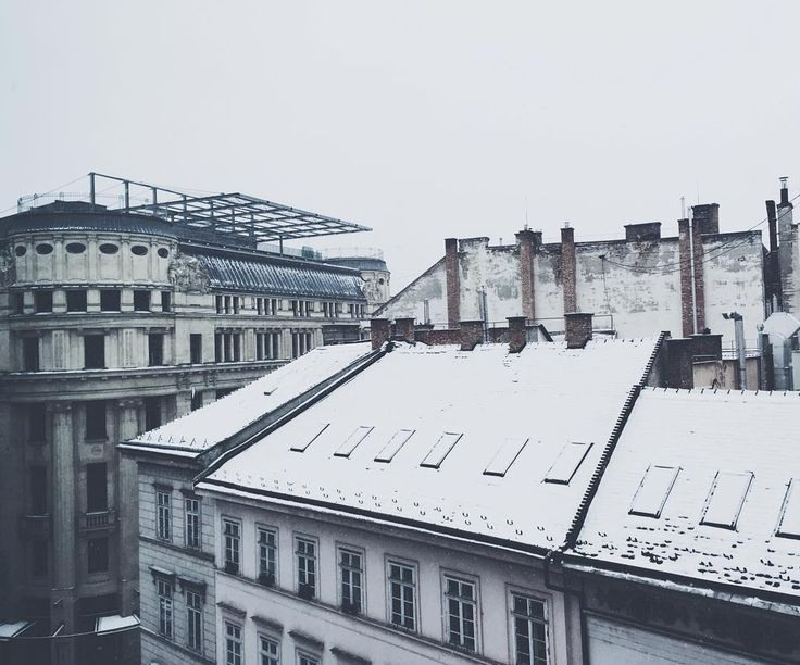 • jon • #budapest #snow #winter #roof #office #mood #monday #winteriscoming #view #cold #architecture #architecturelovers #2016 #mik #vscohungary #instadaily #instagood #vscogood #mobilemag #thecoolmagazine #vscohungary #vscocam