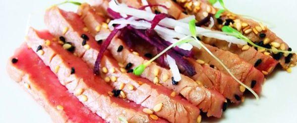 Tataki di fassone piemontese con daikon e carote viola
