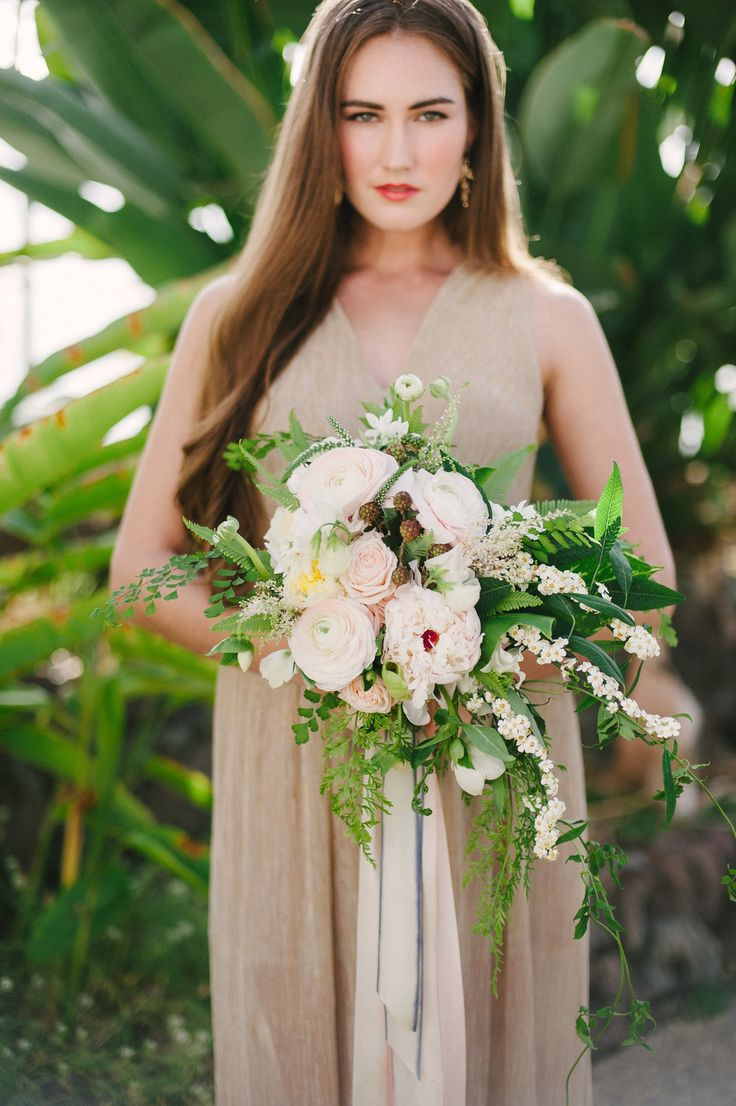 Unstructured Bouquet by Heather Miller of Eclectic Sage, Holly Heider Chapple Style, Florabundance Design Days  Model - Carrie Funkhouser  Photographer - Meg Sorell