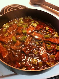 steak and peppers over rice Recipe: 1.5 pounds of flat iron steak, sliced thinly against the grain 1/2 cup soy sauce (I try to use the reduced sodium kind) 1/4 cup beef broth 2 teaspoons brown sugar 2 teaspoons corn starch 2 green peppers (cut into chunks) 3 teaspoons of olive oil  As much rice as you would like (we made 2 cups)