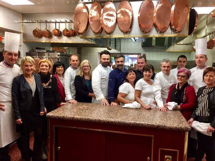 Para nuestro Chef Consultant Enrico Croatti, Estrella Michelin en su restaurante Dolomieu Ristorante - D.V. Chalet Boutique Hotel & Spa, en Madonna di Campiglio (Italia), ha sido un placer haber participado en este encuentro gastronómico de grandes Chefs. #EncuentroGastronómico #EstrellasMichelin #PaulBocuseRestaurant  #CasadelMaestro #Orobianco #EnricoCroatti #GrandesChefs #PaulBocuse #Calpe #Lyon