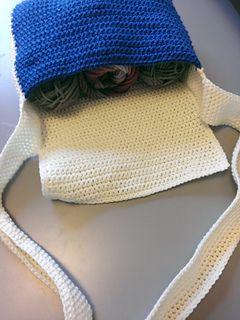 Free Messenger Bag Crochet Pattern ༺✿Teresa Restegui http://www.pinterest.com/teretegui/✿༻