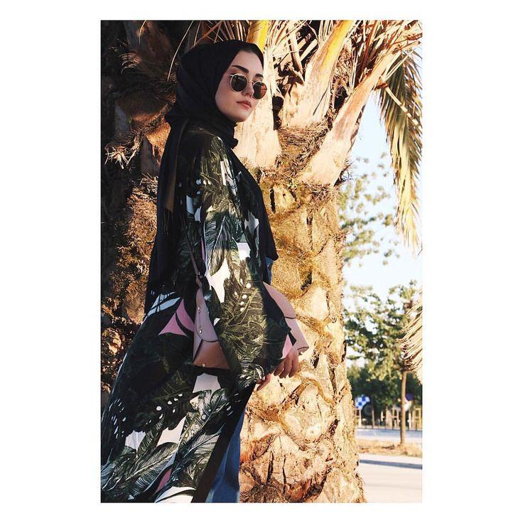 6,653 vind-ik-leuks, 16 reacties - @rimelaskina op Instagram: 'Tropikal desenlere olan takıntım ne olacak ?  #hooopsister'