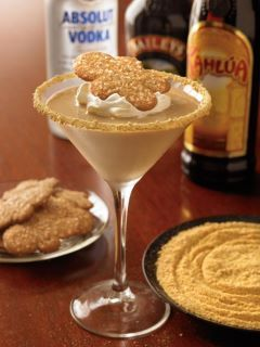 Outback's Gingerbread Martini! Vodka, Kahlua, Bailey's, Gingerbread syrup #cocktail