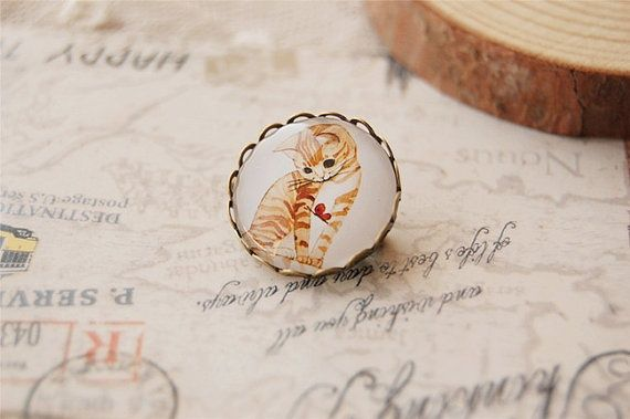 Cat Brooch-Christmas Brooch with cute cat pattern-Brass Tray with glass sealed very well-Sweet for her from Picsity.com