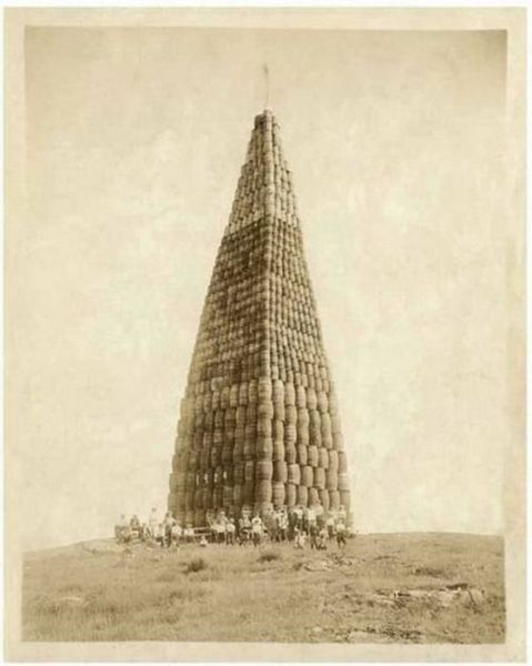 Prohibition- Alcohol barrels to be burned (1924)