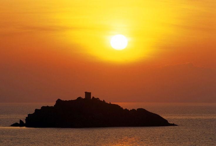 Guardando l'Isola dello Sparviero #tramonto #sunset #maremma, #tuscany, #italy