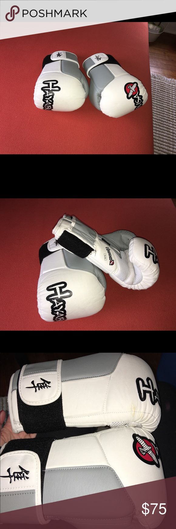 Professional boxing gloves 16 oz. Professional white boxing gloves, like new. 9/10 Other