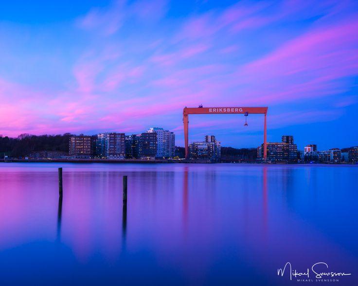 4 December 2016. Eriksberg Göteborg Sweden. #mikaelsvenssonphotography #swedenimages  #thebestofscandinavia #sweden_photolovers #ig_mood #ig_masterpiece #visitsweden #superb_photos #nikonpro #igersgothenburg #ig_week_scandinavia #visitgothenburg #mittgöteborg #goteborgcom #sweden #thisisgbg #sunrise_sunsets_aroundworld #smugmug #eriksberg