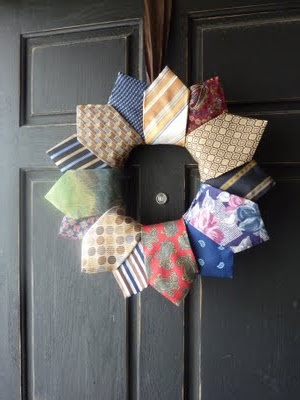 Tie Wreath 1: Add Bow Tie!
