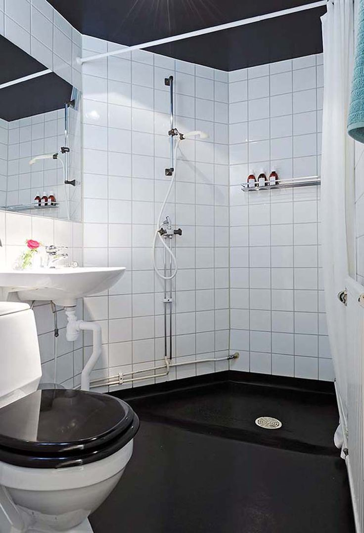 How to decorate a black and white bathroom - Charm Black And White Bathroom Ideas For Design Inspirations With Modern White Rounded Shaped Sink Complete
