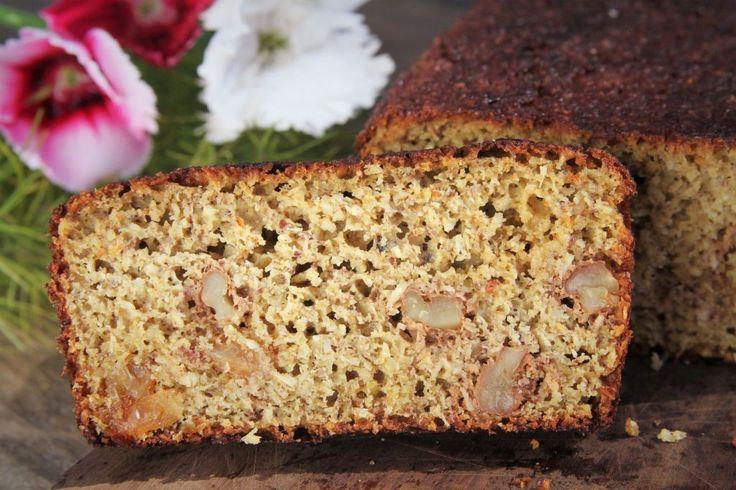 Receita de pão caseiro de liquidificador, feito com cenoura muito saudável e nutritivo. Você não precisa sovara massa e é sem glúten e sem lactose.