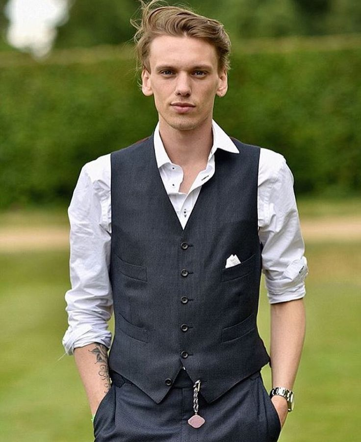 Jamie Campbell Bower. -