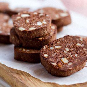 I+Quit+Sugar+-+Paleo+Macadamia+Chocolate+Cookies **sub rice syrup for stevia