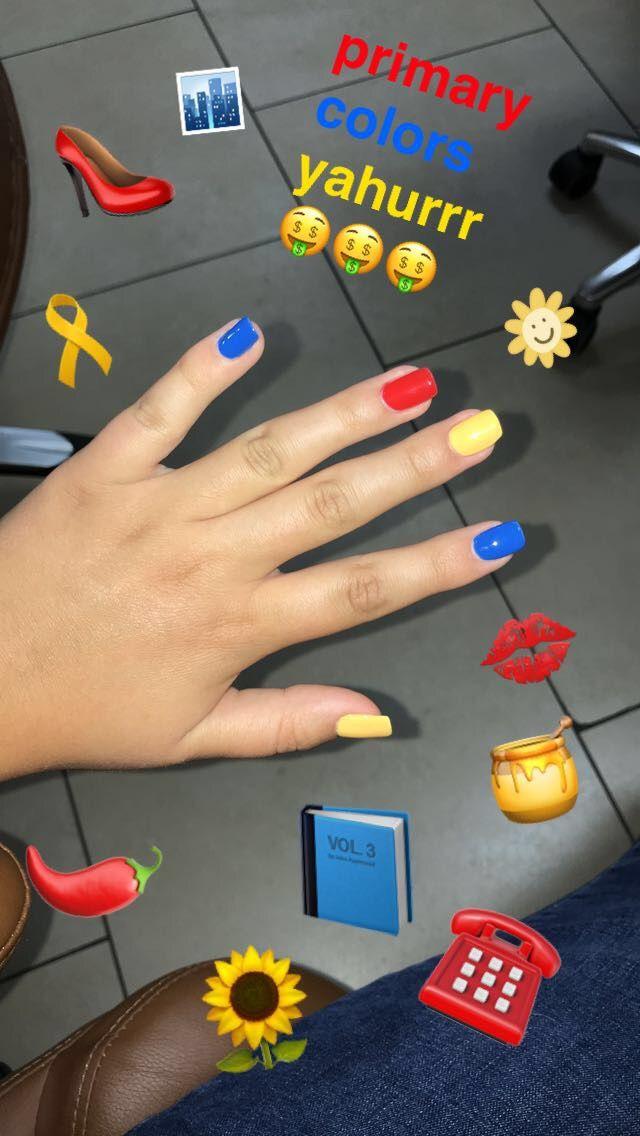 Im Really Out Here Copying Emma Chamberlain Ahhaha Nails Acrylic Nails Yellow Nails Cute Nails