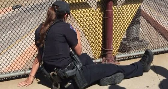 Drivers Saw A Police Officer Sitting By The Overpass. When They Got Closer They Saw The Shocking Truth