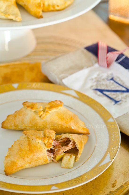 Empanadas de Cerdo y Manzana ( #Pork & #Apple #Pasties ) dominican cooking