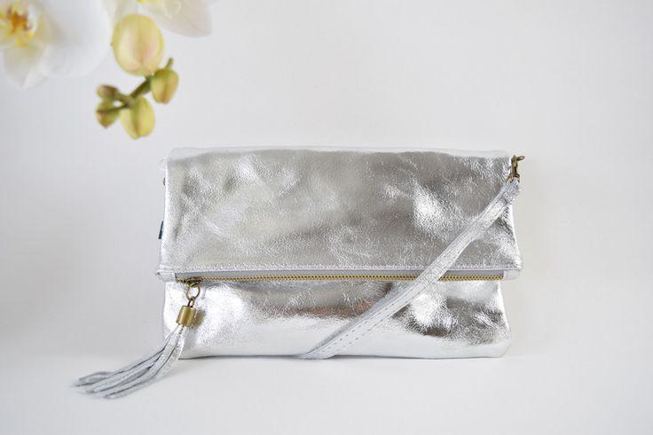 Clutches - Clutch To Love d´Or Metallic Silber - ein Designerstück von sucre-des-amours bei DaWanda