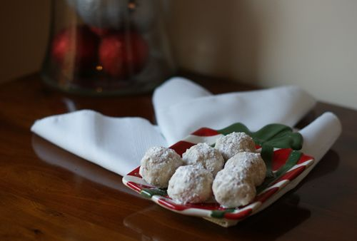 Walnut Snowballs - I'd never heard of these before, but I adore this ...