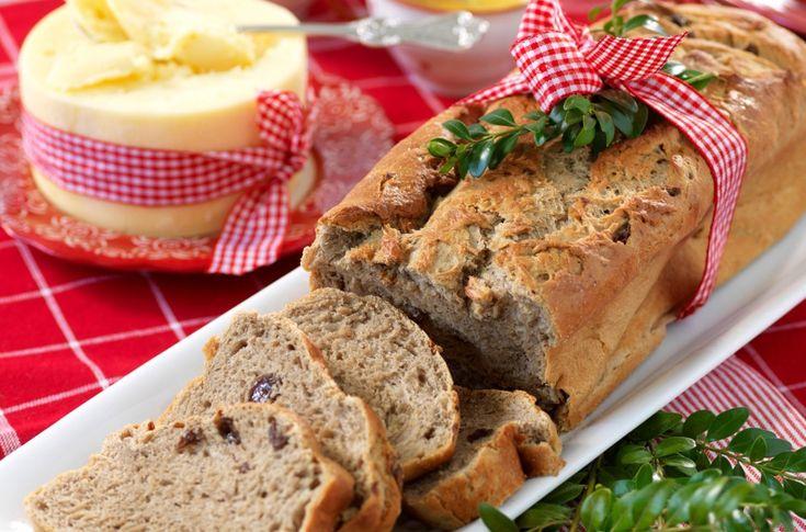 Brød med rosiner, sirup, ingefær, nellik og vørterøl. Spennende og smakfullt gjærbrød.
