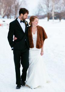 [Modern] Bride and groom attire