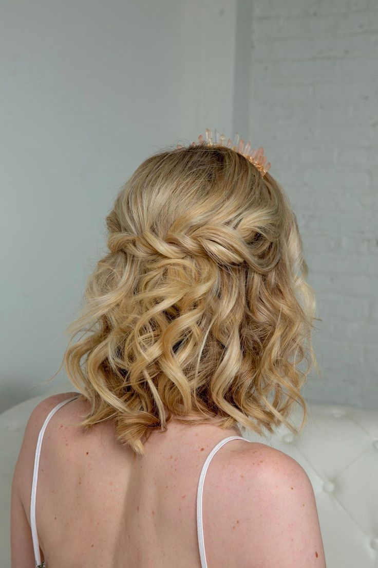 Soft Curls Crown Braid Hairstyle By Goldplaited Stinkeye Photography Prom Hair Prom Hair Prom Hairstyles For Short Hair Crown Hairstyles Hair Styles
