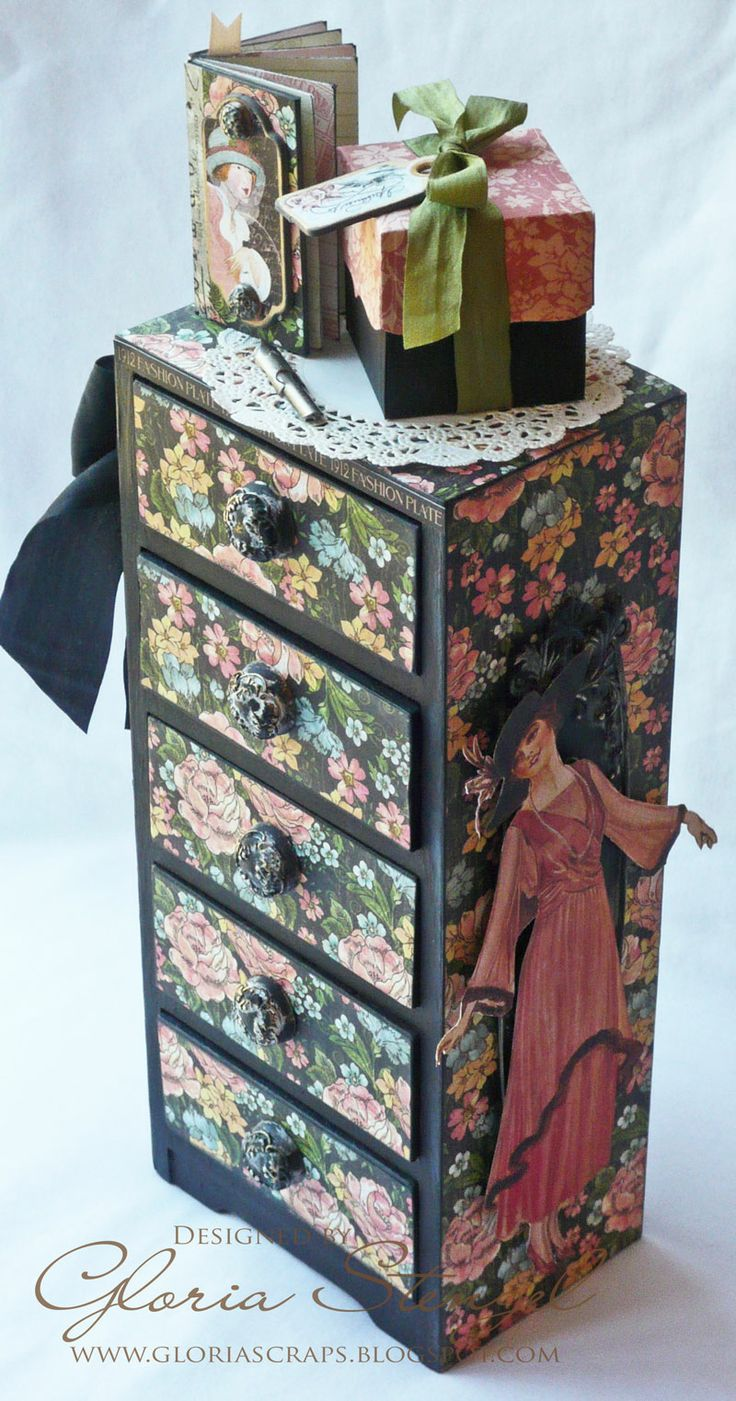 Wow! Look at this A Ladies' Diary mini altered drawer set with a corresponding tiny journal and gift box by @Gloria Mladineo Mladineo Mladineo Mladineo Mladineo Stengel. Click to see all the details and the lining of the drawers. Using beautiful May Arts ribbon! Join our blog hop this week! #graphic45 #mayarts