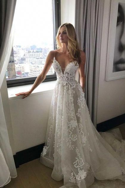 Y Tulle Wedding Dress V Neck See Through Lique Beach Long Gown Spaghetti Straps Bridal W18