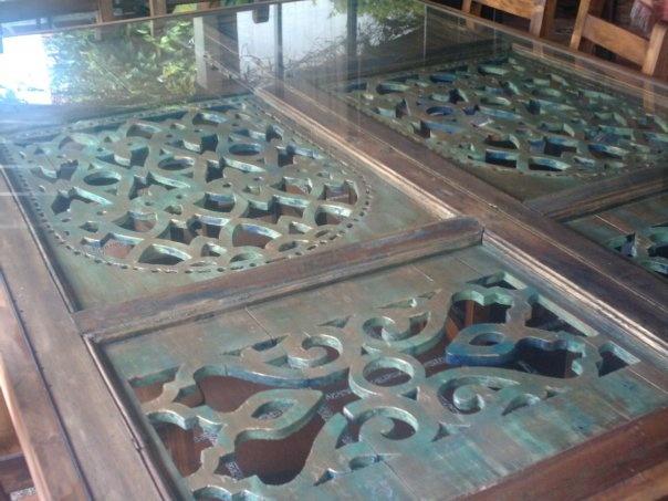 37 best muebles de jard n images on pinterest decks - Mesas con puertas antiguas ...