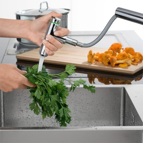 The hero in your kitchen: hansgrohe M71 with pull-out spout. #kitchenmixer