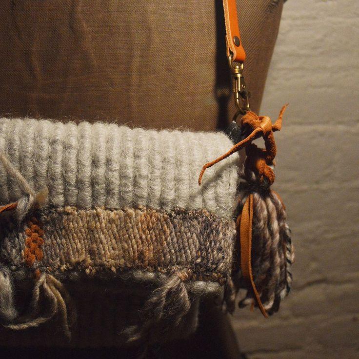 Bolso clutch lana by @larosademariaco - YAMI