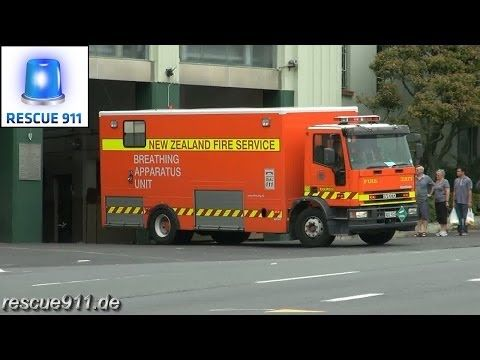 Pump 207 + Breathing apparatus unit 2015 New Zealand Fire Service Auckland City Fire Station - YouTube