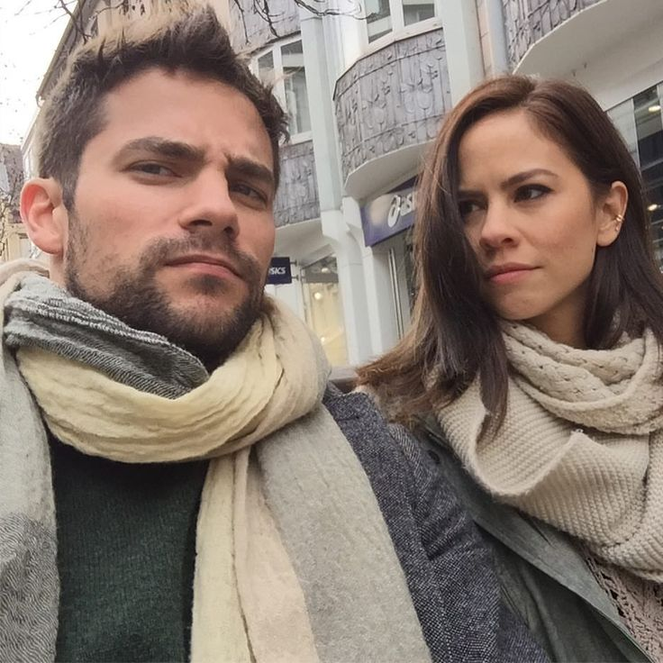 """11.8 mil Me gusta, 40 comentarios - Brant Daugherty (@brantdaugherty) en Instagram: """"Find you someone who looks at you the way she looks at me...  #tbt Düsseldorf, Germany"""""""