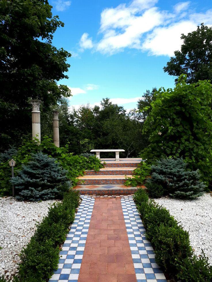 Seigneurie de l'île d'Orléans & Hildegard. #garden #jardin #nature #flower #fleur #îledorleans #Quebec @seigneurieiledorleans