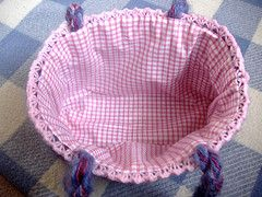 Simple tutorial on how to line a crocheted bag