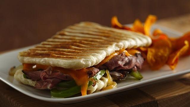 Philly Cheesesteak Panini: Cheese Steaks, Dinners, Paninis Recipe, Paninis Sandwiches, Steaks Paninis, Food Recipe, Philly Cheesesteak, Breads Dough, Cheesesteak Paninis