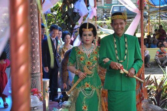 Kandaure, Toraja traditional dress