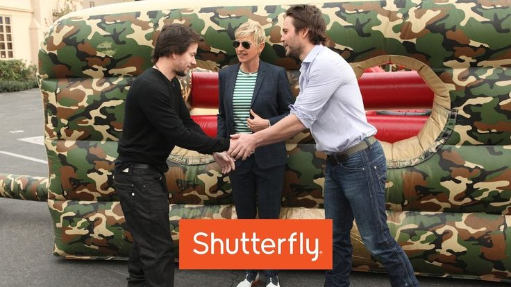 Mark Wahlberg and Taylor Kitsch Do An Obstacle Course!