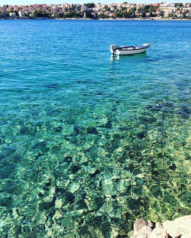Do not let the summer gone • #croatia #summer #trogir #ciovo #travel #weekend #holiday #holidays #sunny #boat #лето #хорватия #намдоманесидится #creativephototeam #отпуск #хочувотпуск #vocation