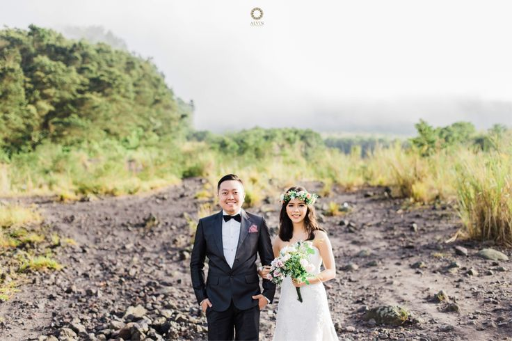 If today i die, i will be at peace because i have known my soulmate and have understood the true meaning of love. . Courtesy from @yulitabong & Johan Prewedding Location Merapi, Yogyakarta . . Photograph by @mohdnoval Check our website for the other photos at www.alvinphotography.co.id