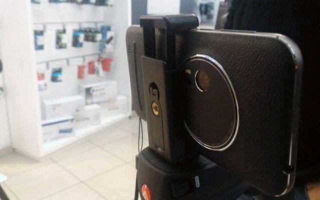ZenFone Zoom? Il miglior Camera phone senza dubbi! Abbiamo partecipato alla conferenza di presentazione del nuovo Asus ZenFone Zoom.  Un prodotto straordinario dai materiali finalmente Premium e dal design accattivante. Ma quello che di più è il suo #zenfone #zoom #camera #phone #asus