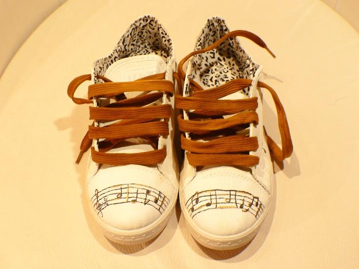 Music... Zapatilla pintada a mano con diseño exclusivo Blog: Condoszapatos