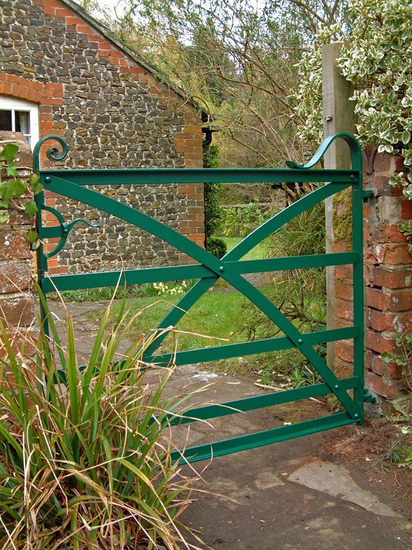 Estate Gate