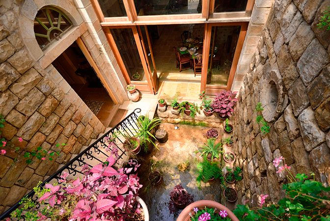 Modern Vacation Rentals Lebanon | boutique-homes.com